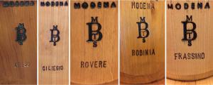"""Alt=""""wooden barrels"""""""