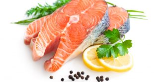 Salmon skewers with vegetables and original Balsamic Vinegar
