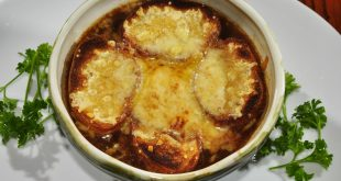 Onion soup with prosciutto and balsamic vinegar