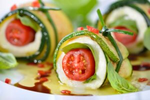 Grilled zucchini rolls with Balsamic